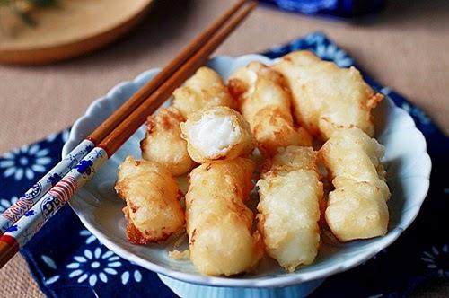 Những món ăn vặt lạ miệng ở Hà Nội.