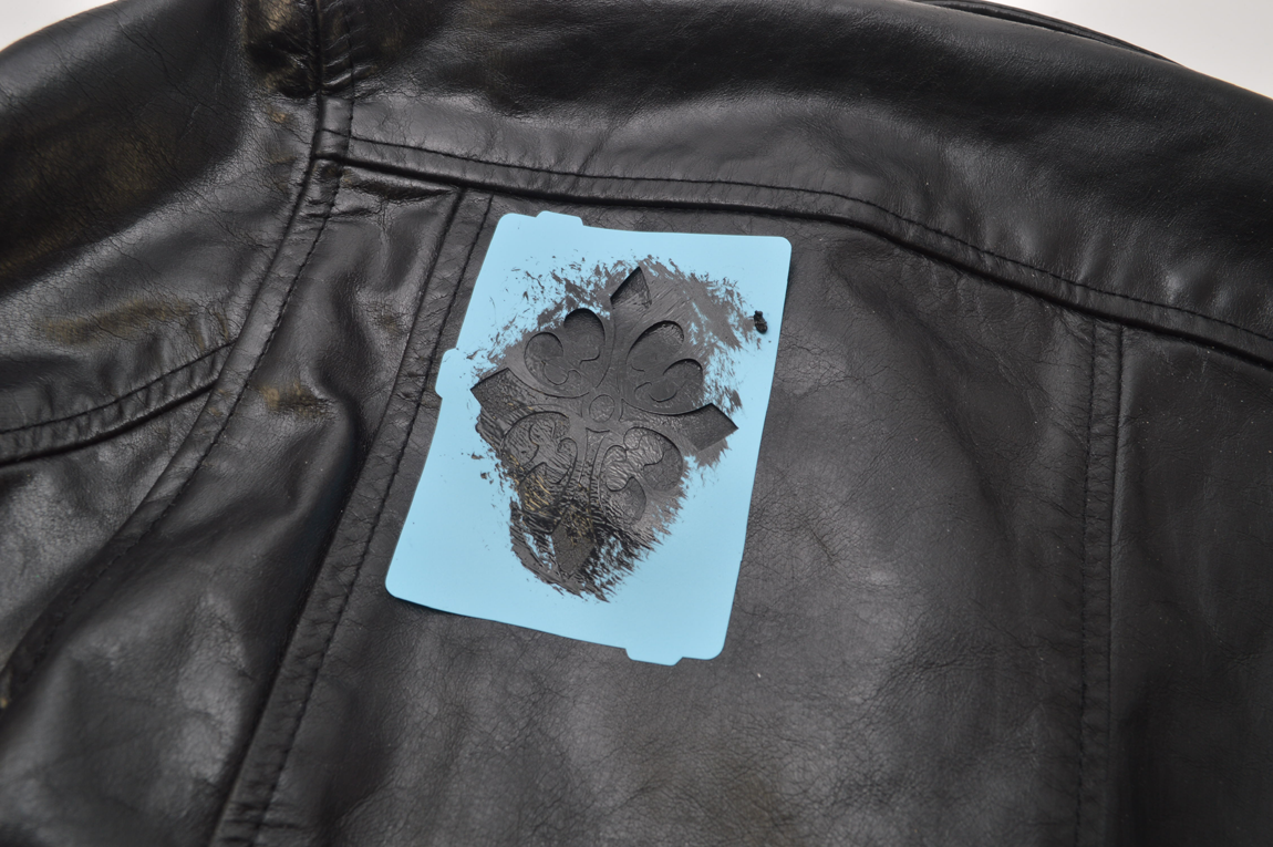 Leather jacket diy - 2 Mix Up Your Paint So That It Consists Of Mostly The Same Color As Your Jacket This Will Give A Subtle Dimensional Look That We Are Going For