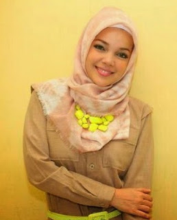Kumpulan Hijab Modern Ala Dewi Sandra