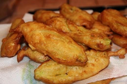 La cucina di alice fiori di zucca fritti in pastella for Pastella per fiori di zucca fritti