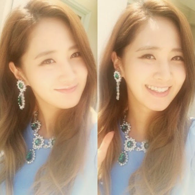 snsd yuri updates fans with her pretty selca pictures
