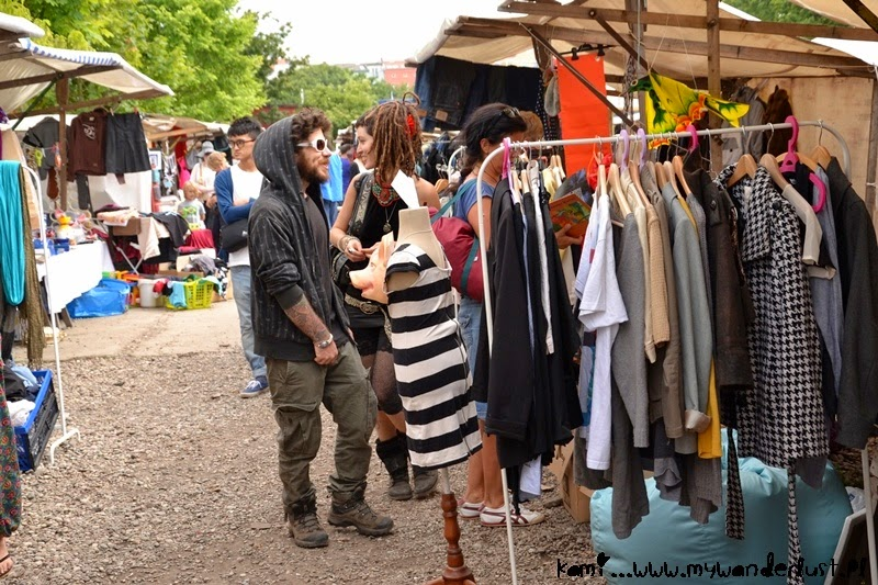flea market in Mauerpark