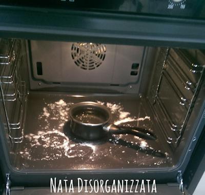 pulizia del forno naturale