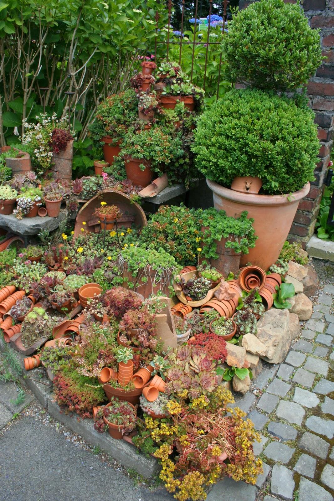 """Gartenwahn in Schräglage: Ein Garten in Solingen - """"Tag der Offenen Gartenpforte"""""""