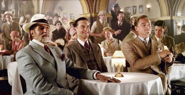 由李奧納多.狄卡皮歐(右)主演的新版《了不起的蓋茨比》劇照