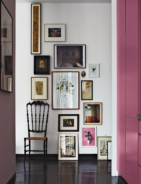 Designklassiker im skandinavischen Mid-Century Design in Berlin: erfrischend pink in Garderobe!