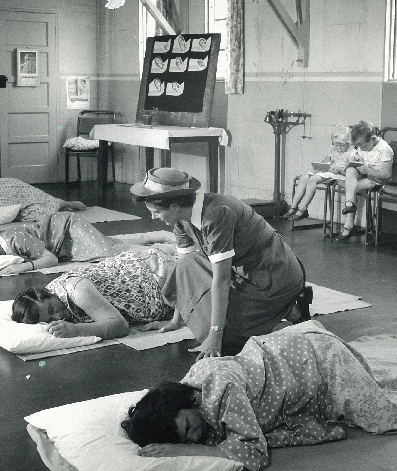 Midwife History - How Midwives Work | HowStuffWorks
