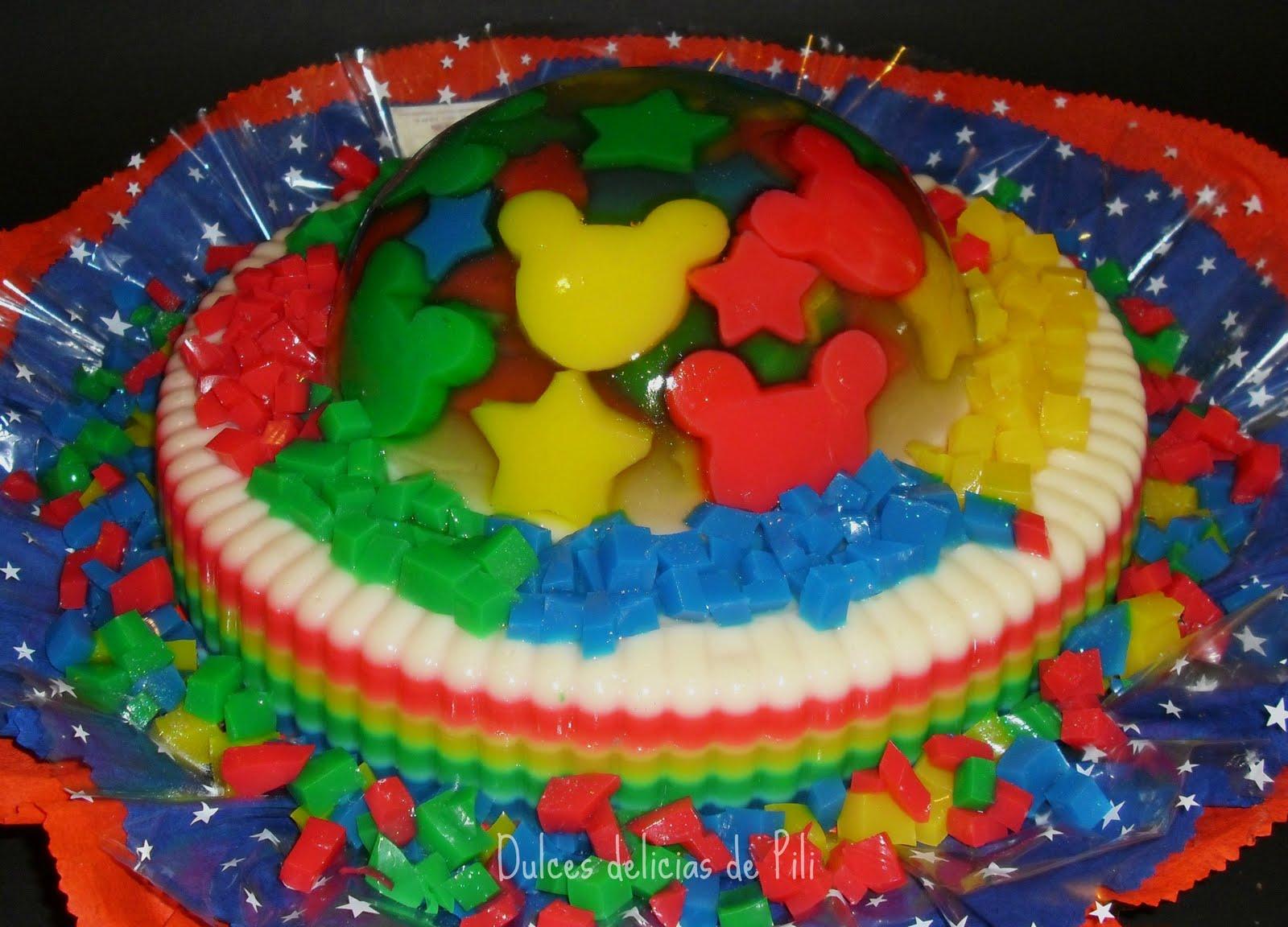 motivo de Mickey Mouse, hicimos esta torta de vainilla con relleno de ...