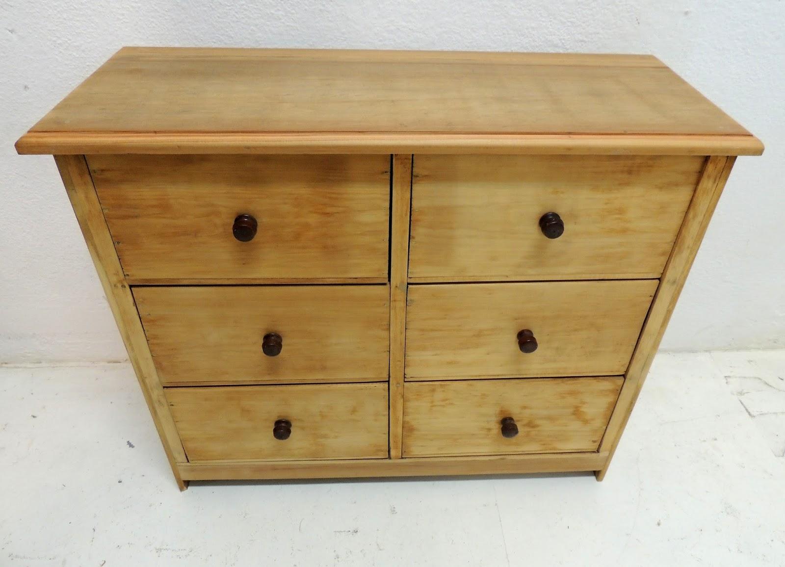 Peque o mueble bajo aparador cajonera en madera lavada - Cajones de madera antiguos ...