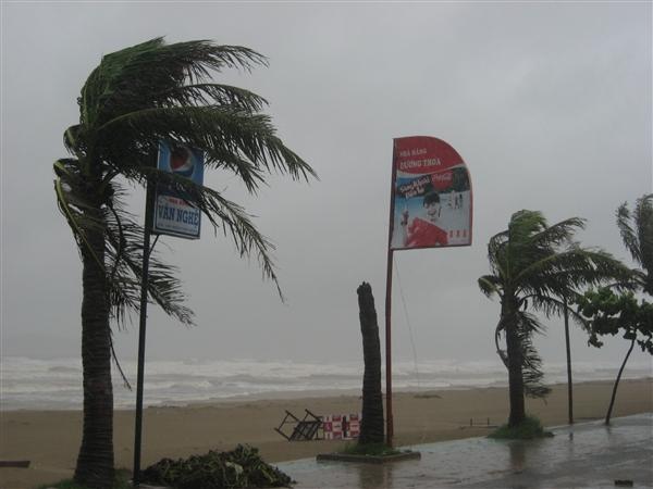 Dự báo thời tiết hôm nay ngày 28/12/2015: Cảnh báo gió mạnh và sóng lớn trên biển