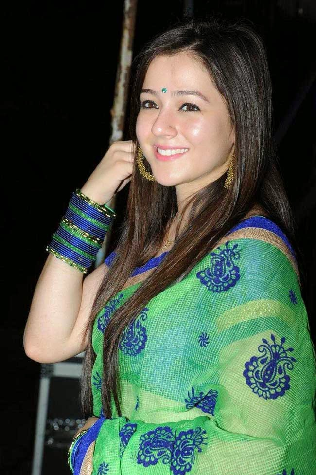 Priyal Gor in Saree