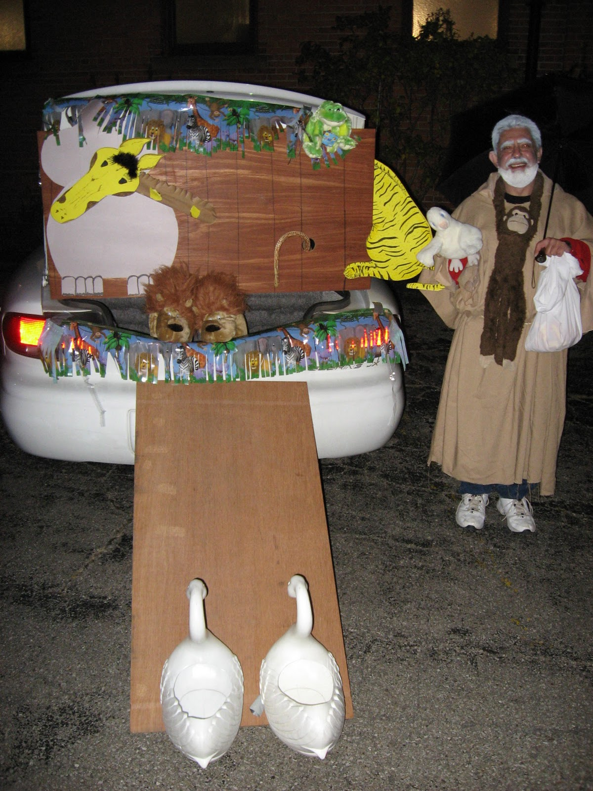 Simply Mommy: More Bible Costumes / Trunk or Treat Ideas that I like!