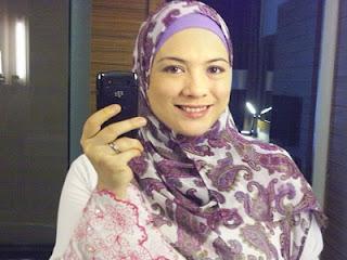 Sharifah Sofia kini hamil anak kedua