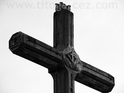 Detalhe do cruzeiro da praça São Francisco, em São Cristóvão - Sergipe - Por Tito Garcez