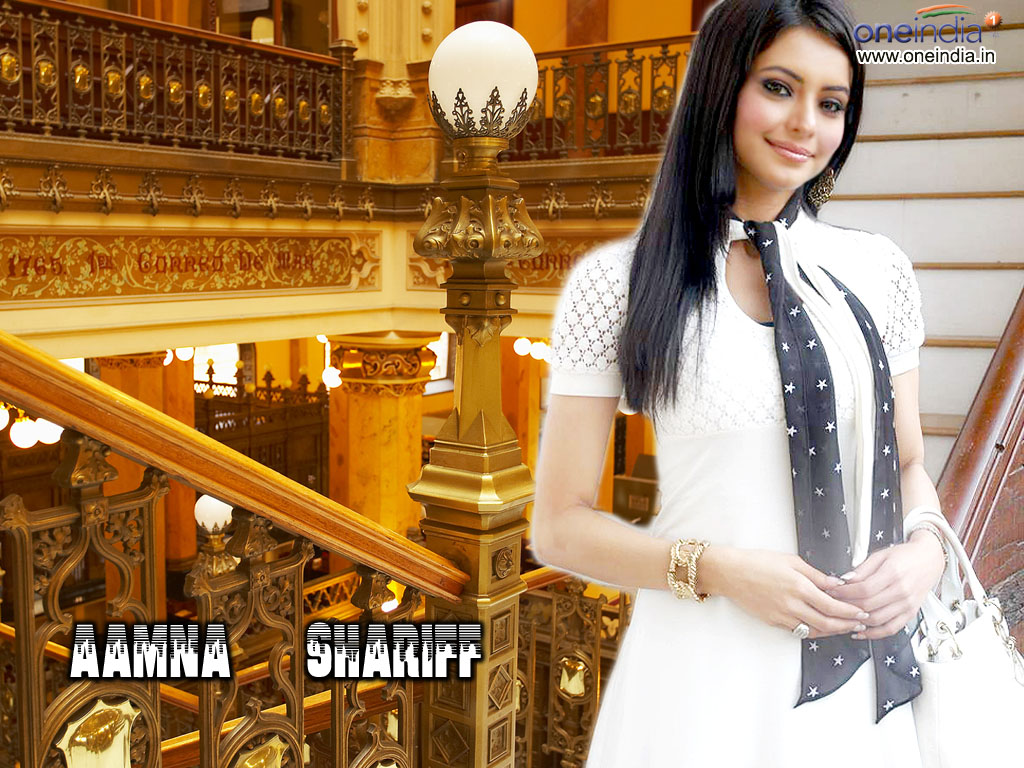 http://4.bp.blogspot.com/-g5HFQ1wC7Sw/UBbpqMGkNEI/AAAAAAAAAqc/xOJpOgX6iC4/s1600/Aamna_Sharif_Laptop_Wallpapers.jpg