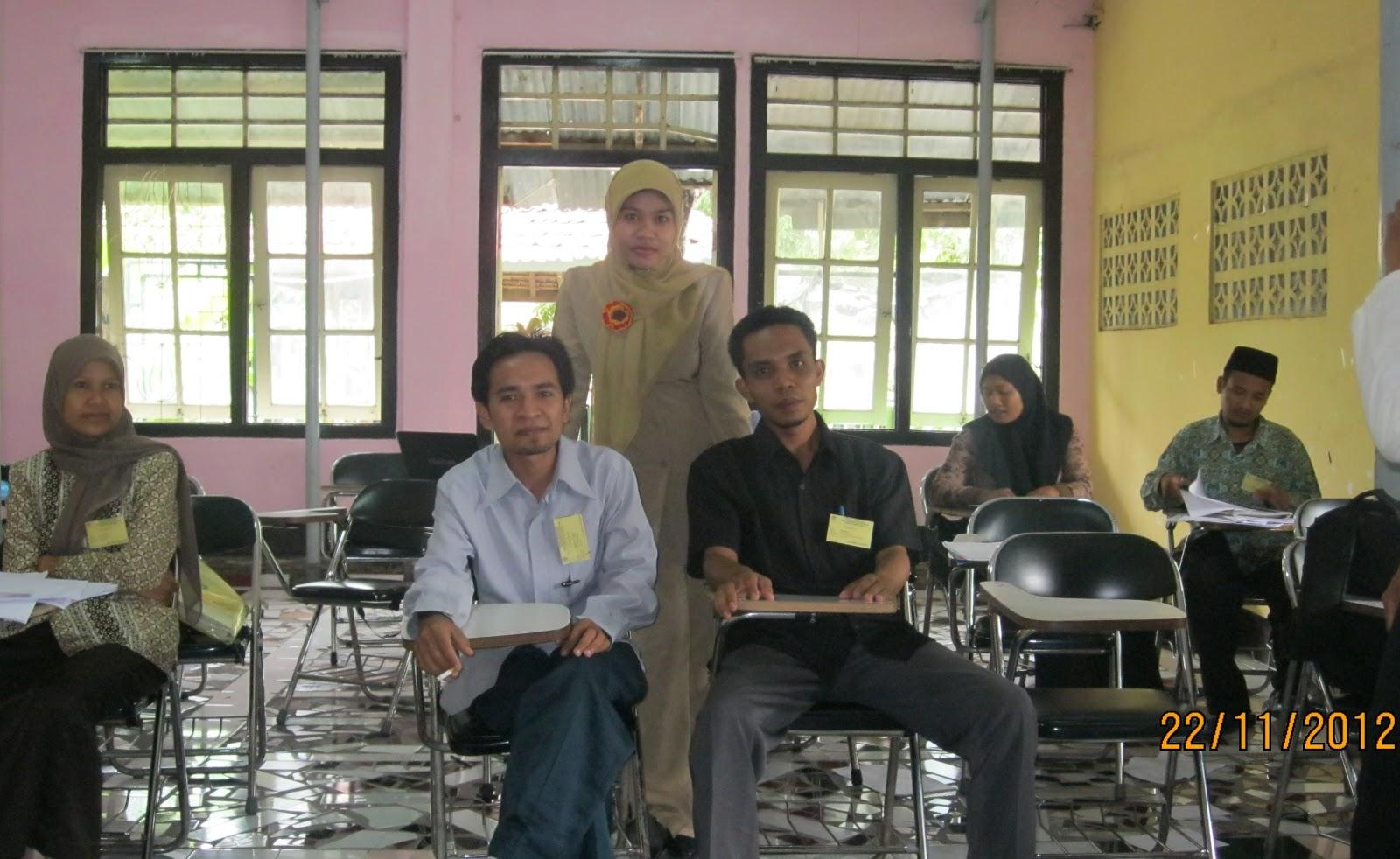 Klompok belajar IPA 2 di Hotel Arum Jaya (foto-foto sebelum masuk