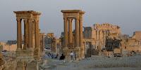 El vandalismo sobre el patrimonio arqueológico de Siria representa una más de las grietas del país a raíz de la crisis de violencia. La ciudad antigua de Palmira y las ruinas grecorromanas de Afamia, consideradas patrimonio mundial de la Unesco, son el principal escenario de robos y 'expediciones arqueológicas' clandestinas