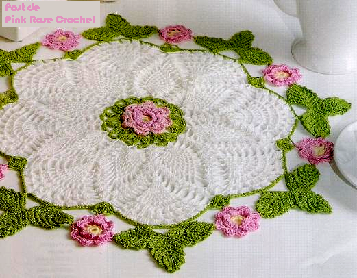 Carpeta circular con detalles de flores