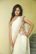 gowthami chowdary glamorous in saree-thumbnail-7