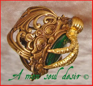 Bague médiévale renaissance serre d'aigle Rowena Serdaigle haliotis ormeau paua shell abalone Ravenclaw medieval eagle claw ring