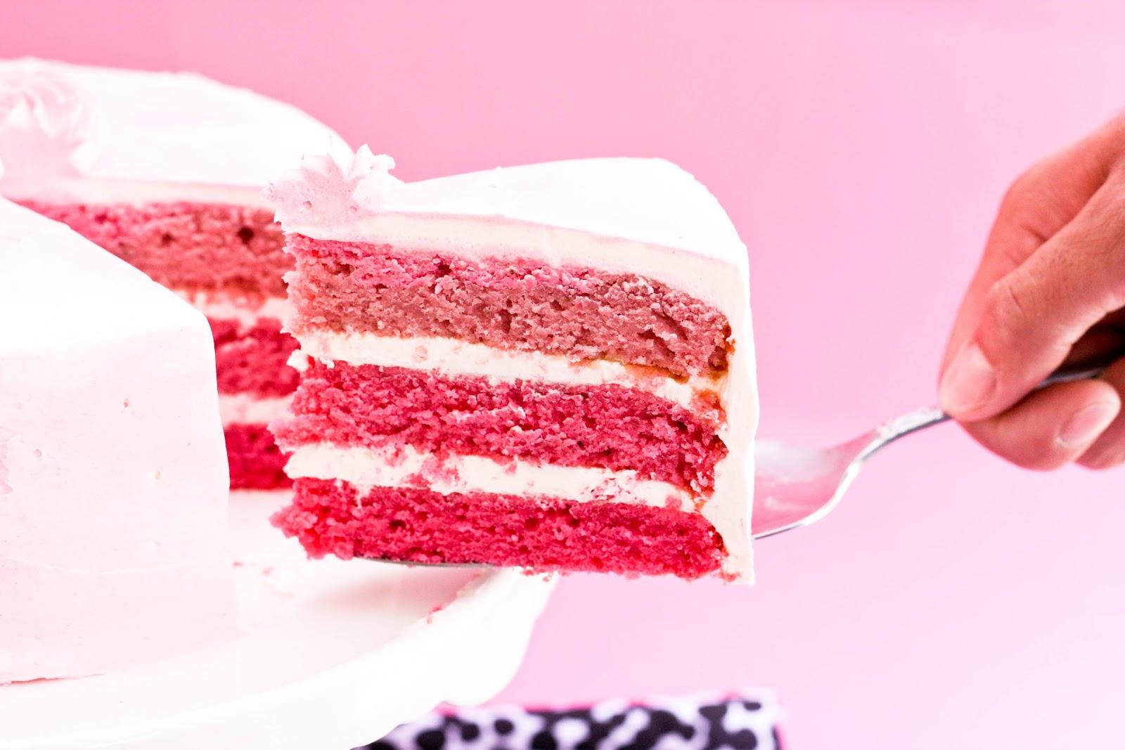 Как бисквит сделать розовым