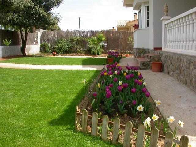 Arte y jardiner a como dise ar un jardin - Como decorar un jardin rustico ...