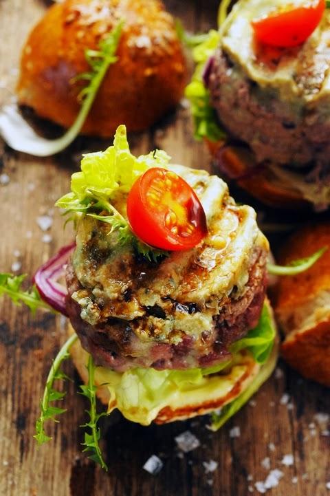 J'veux du soleil ! Et même si c'est le déluge, je vais me le griller mon hamburger à la britannique !