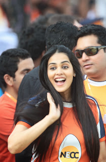 Celebrities Pictures at CCL Season 5 Mumbai Heroes Vs Veer Marathi Match CCL5  11.JPG