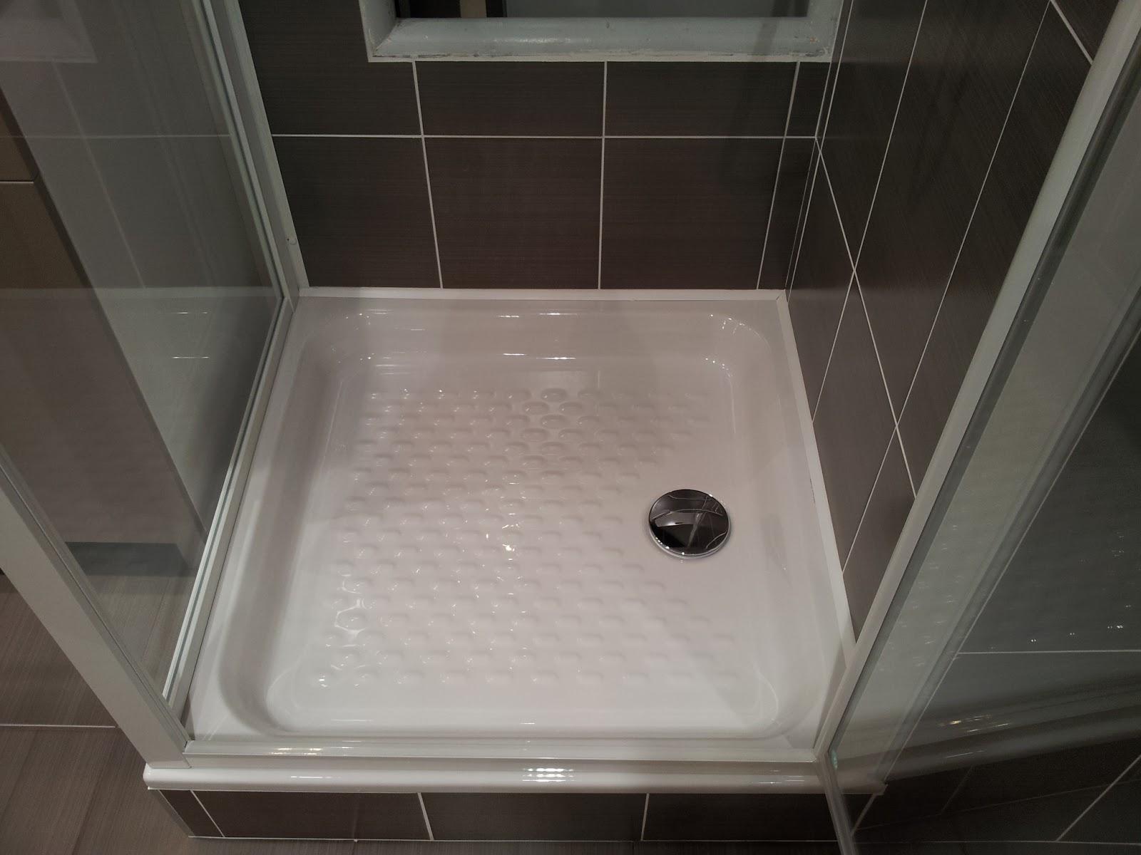 tradimaisons construit ma maison malintrat puy de d me la salle de bain et sa fa ence. Black Bedroom Furniture Sets. Home Design Ideas