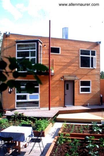 Casa residencial cúbica de madera en Canadá