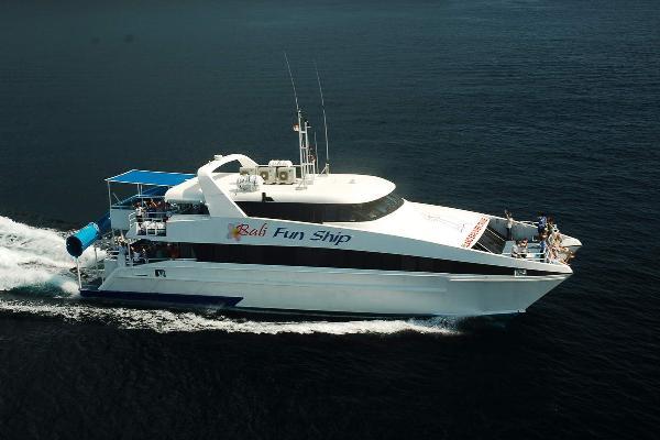 Bali Fun Ship Cruise Sehari Pulau Nusa Lembongan - Bali, Cruise, Aktivitas, Liburan, Atraksi