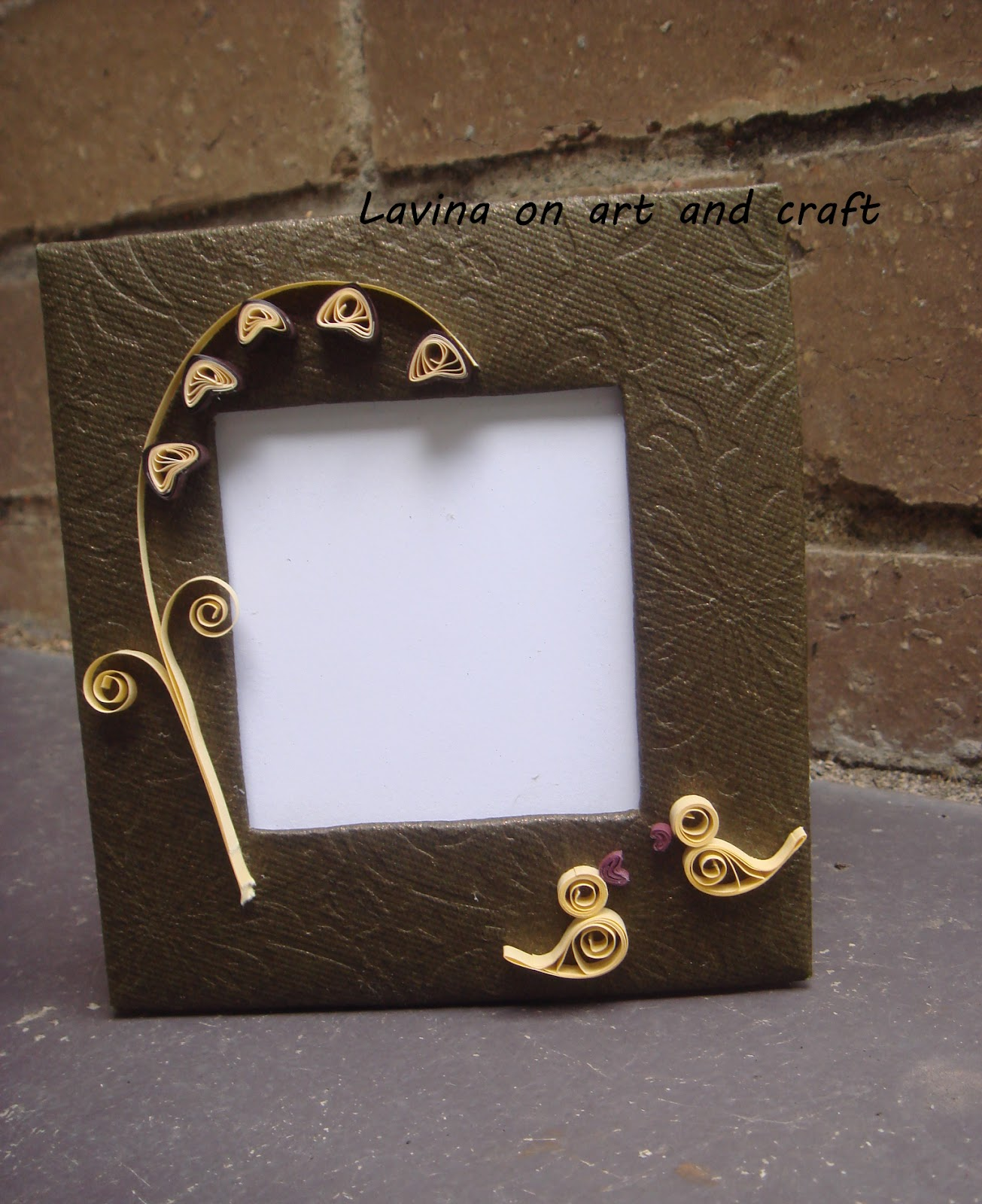 Life s little treasures Recycled DIY photo frame