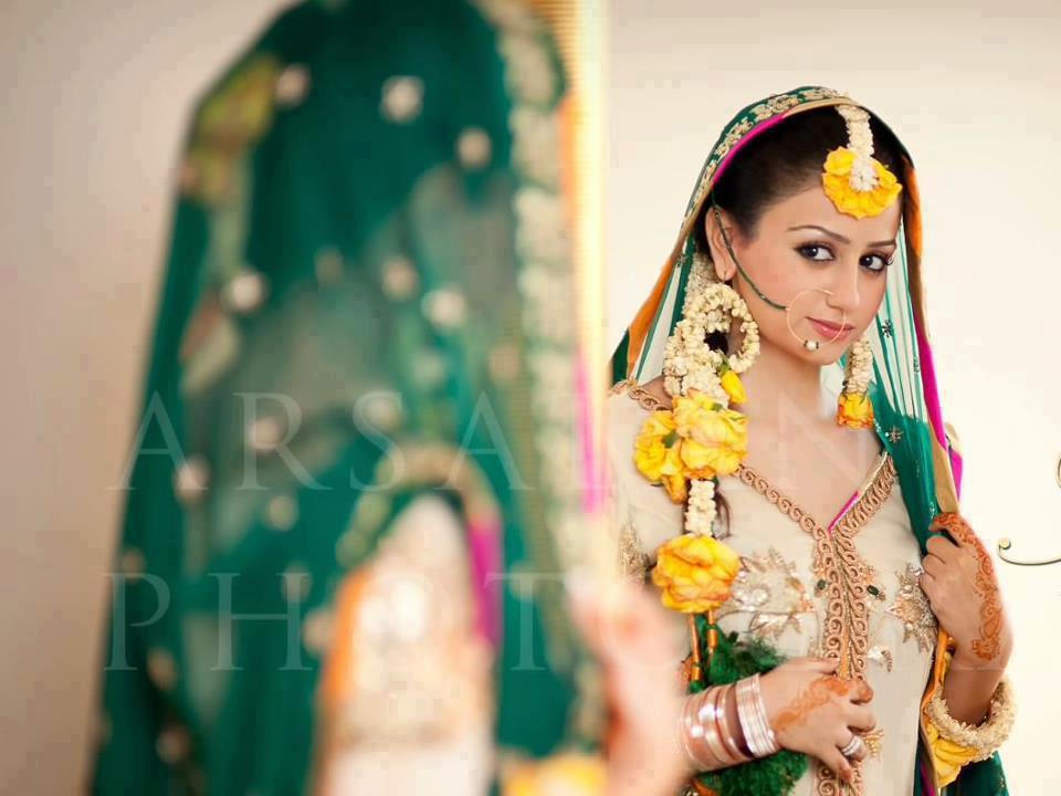 I Mehndi Flower Jewelry : Flowers phool aur gajray mayoon frills