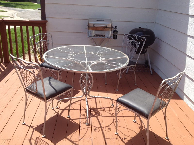 Repaint And Reupholster Patio Furniture