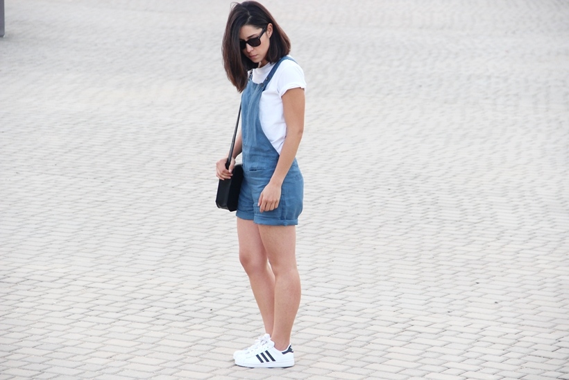 Romalos_blog_Skunkfunk_blue_jumpsuit_adidas_superstar_giveaway