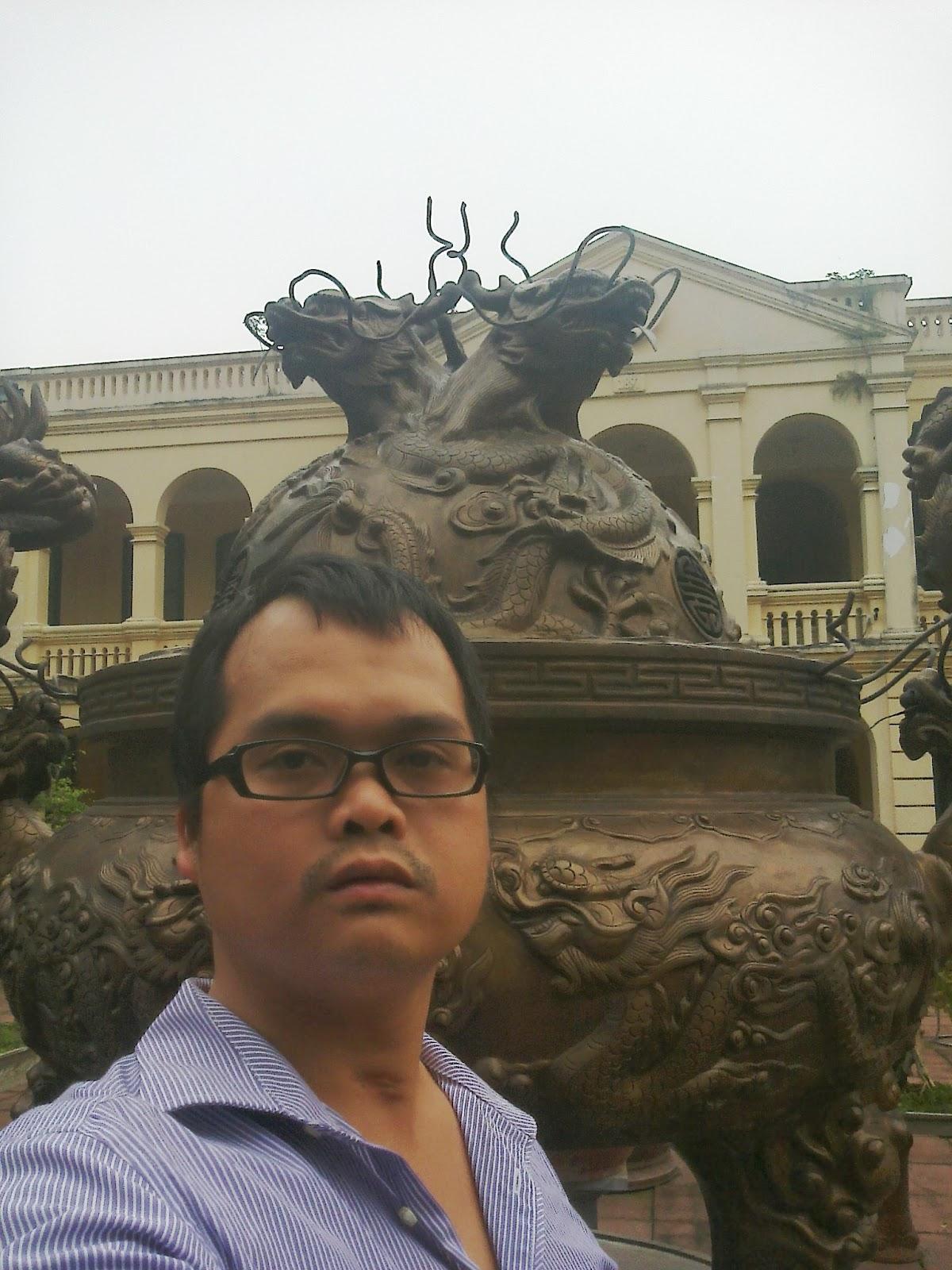 Hoa Tùng thăm hoàng thành Thăng Long