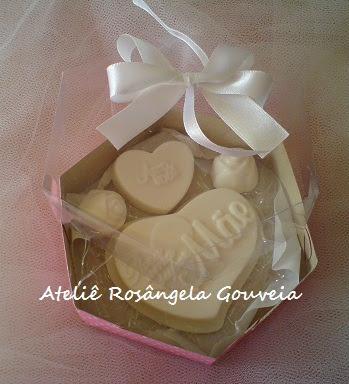 Lembrancinha Dia das Mães - caixa com sabonetes Artesanais