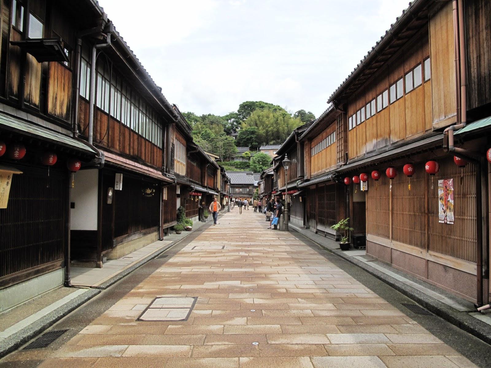 Unique Japan Tours Kanazawa Higashi Chayagi