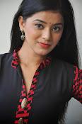 Yamini bhaskar glam pics-thumbnail-8