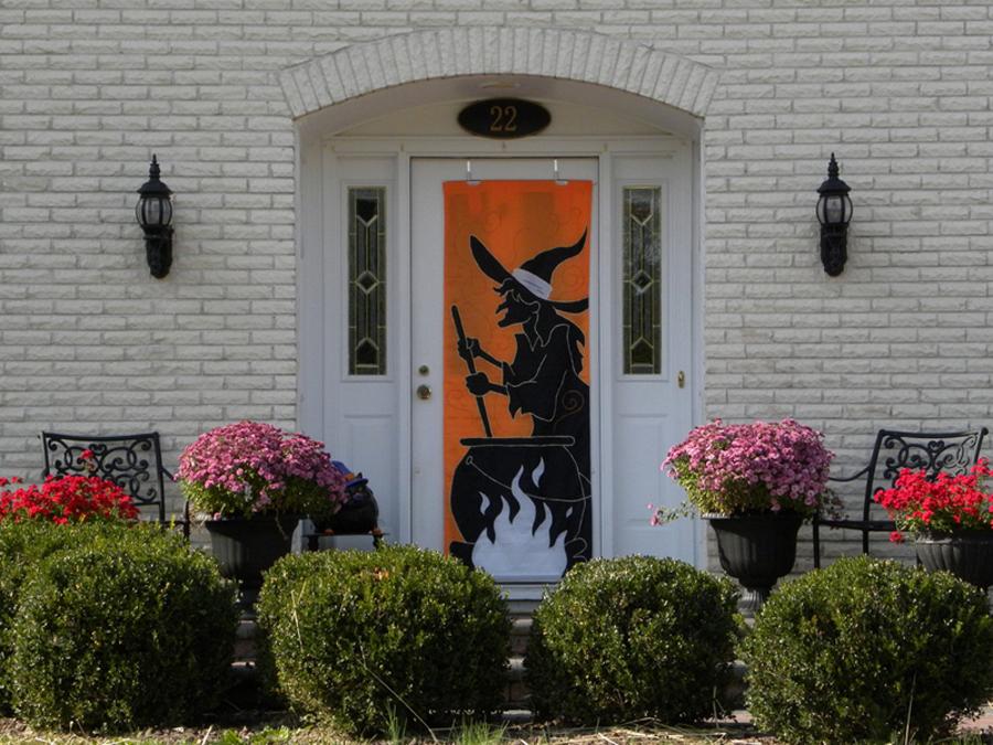 ideas para decorar la puerta de entrada en halloween
