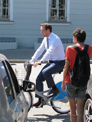 Оскар Прокопьев на велосипеде