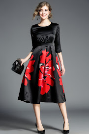 2018 Half Sleeve Red Floral Flare Black Dress