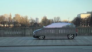 Mercedes-Benz Luncurkan Kendaraan Beroda Empat Tembus Pandang