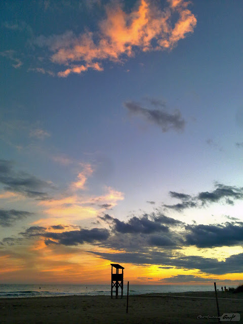 Roda de Barà playa y cielo