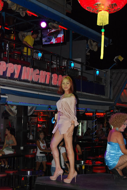 Трансвеститы на Бангла Роуд - transvestites on Bangla Road