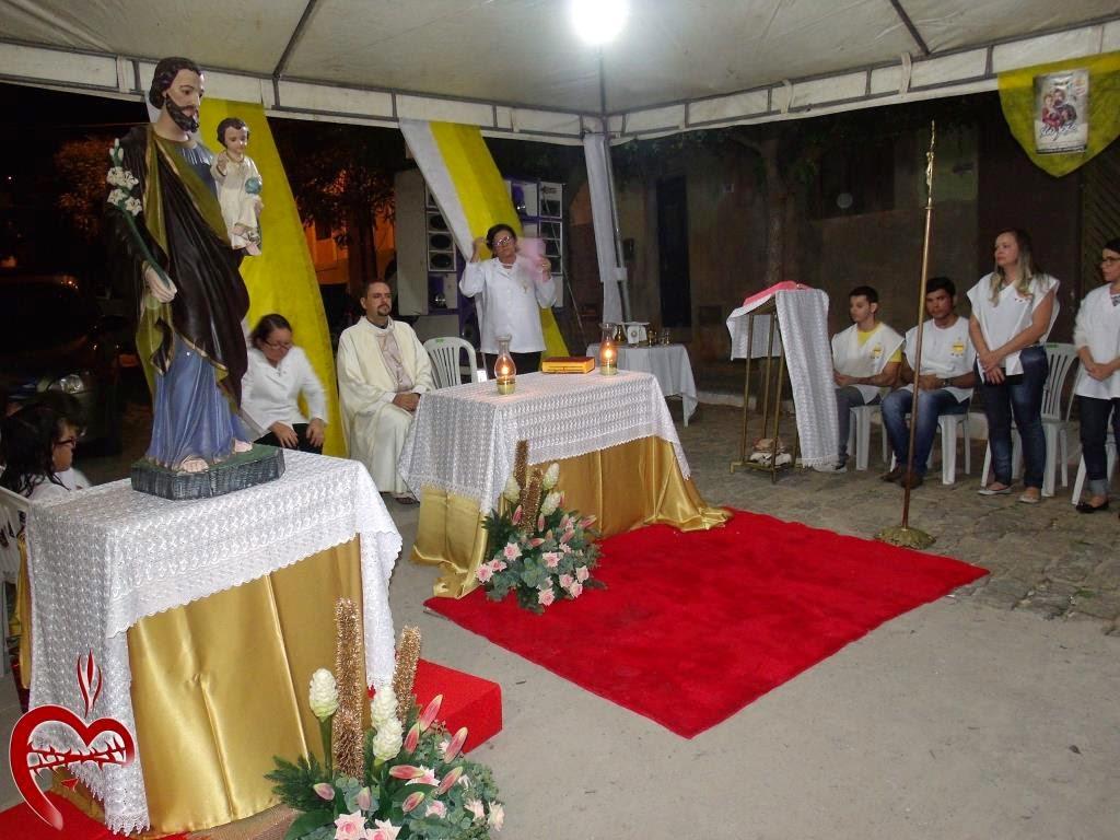 Imagens da Santa Missa e leilão na Rua São José