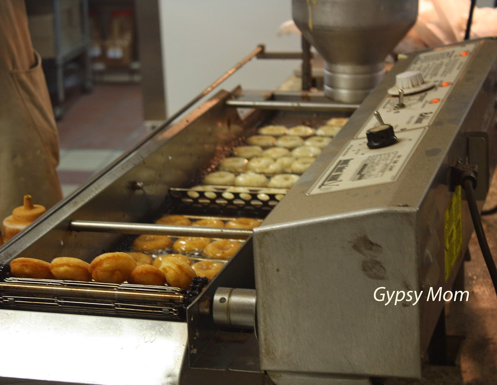 Apple Doughnut machine in Oak Glen, CA
