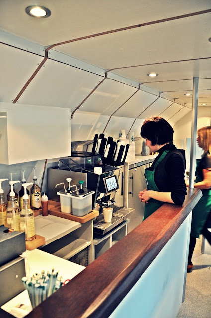 Starbucks x SBB: die Bar des Maquettes