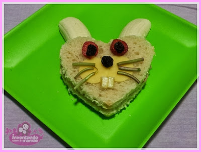 sanduíche de coelho em formato de coração