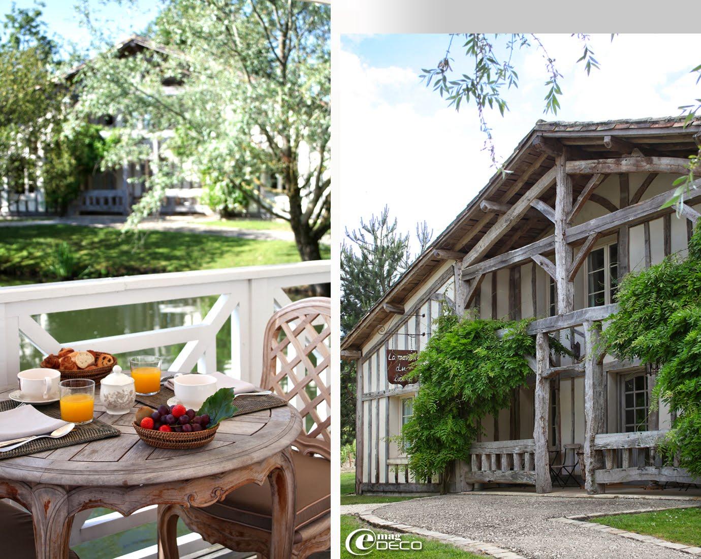 Un petit-déjeuner servi sur la terrasse du restaurant La Grand'Vigne, Les Sources de Caudalie, établissement hôtelier près de Bordeaux